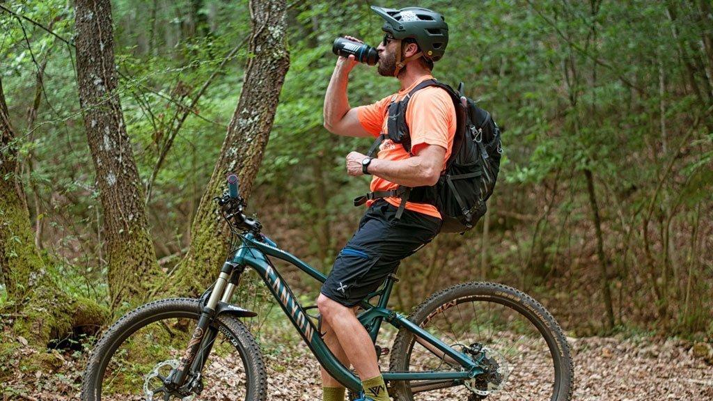 equipaggiamento mountain bike